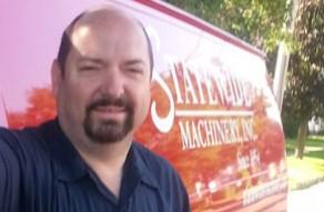 Service Technician Darryl Widrick